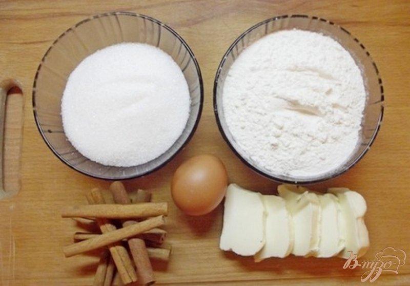 Фото приготовление рецепта: Печенье с имбирем и корицей шаг №1