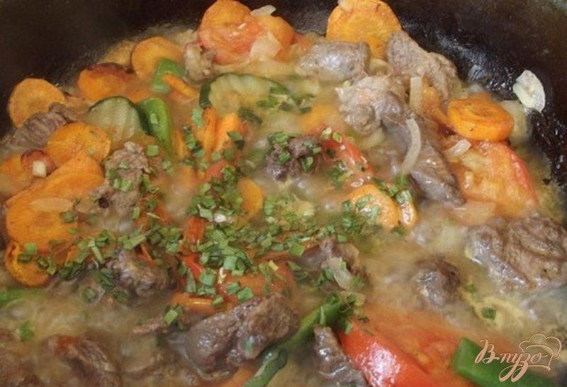Фото приготовление рецепта: Рагу из говяжьих щек шаг №8