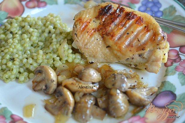 Рецепт Тушеная курица с грибами
