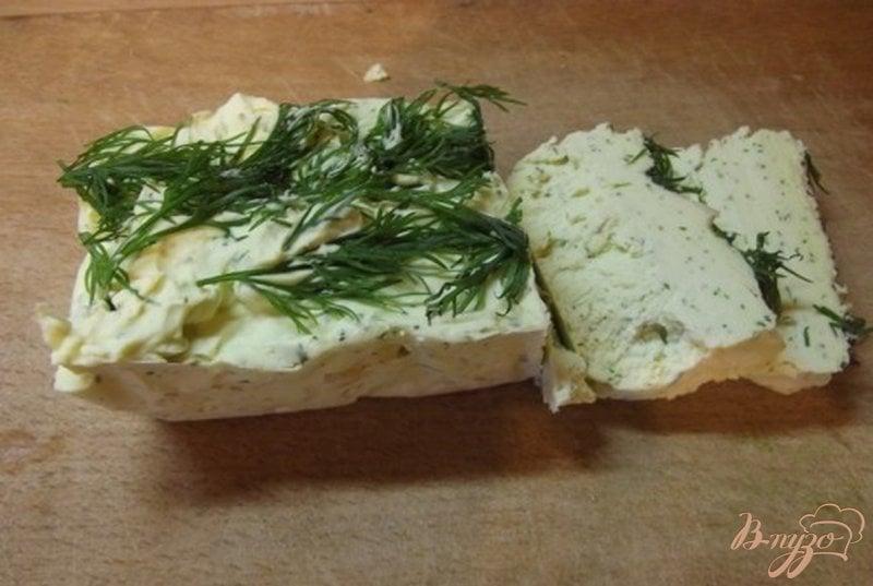 Фото приготовление рецепта: Чесночное масло с зеленью домашнее шаг №8
