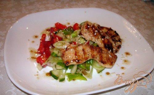 Рецепт Легкий салат с курицей без майонеза