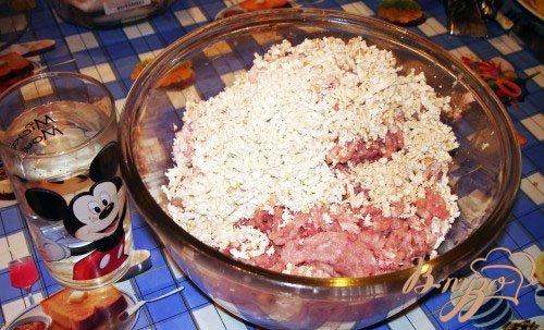 Домашние котлеты с сыром и изюмом