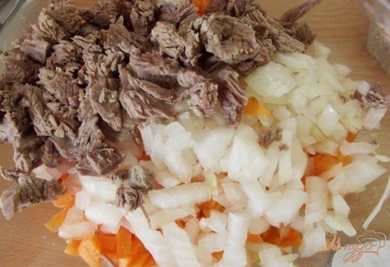 Фото приготовление рецепта: Суп из кабачков на говядине шаг №2