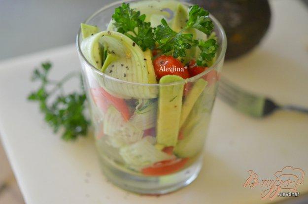 Рецепт Легкий диетический салат с авокадо