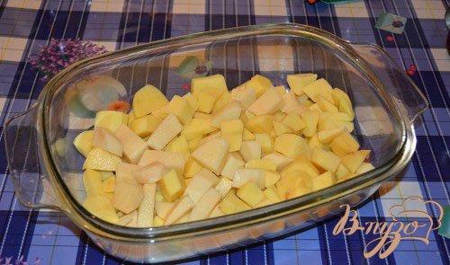 Картофель с колбасой, тушеный на молоке