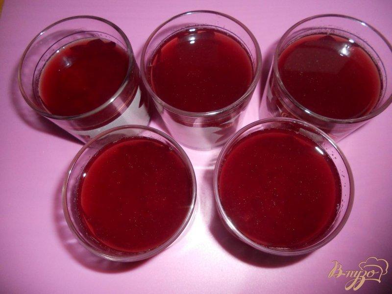 Фото приготовление рецепта: Малиновое желе шаг №5