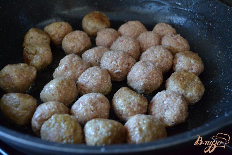 Фото приготовление рецепта: Суп с мясными шариками  и булгуром шаг №3