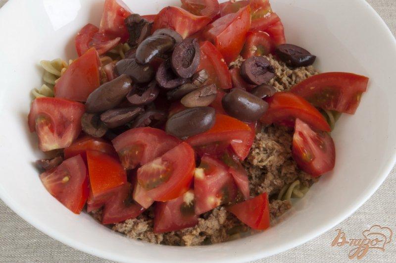 Фото приготовление рецепта: Салат с тунцом шаг №5