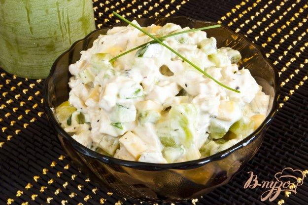 Рецепт Салат с киви и куриным филе