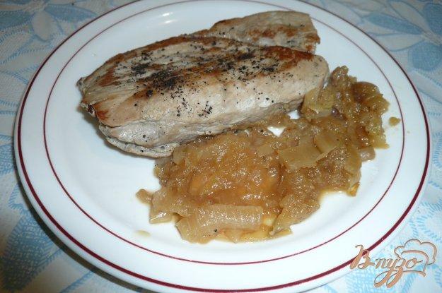 Рецепт Свинина с яблочно-луковым соусом