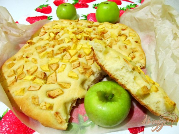 фото рецепта: Фокачча с яблоками