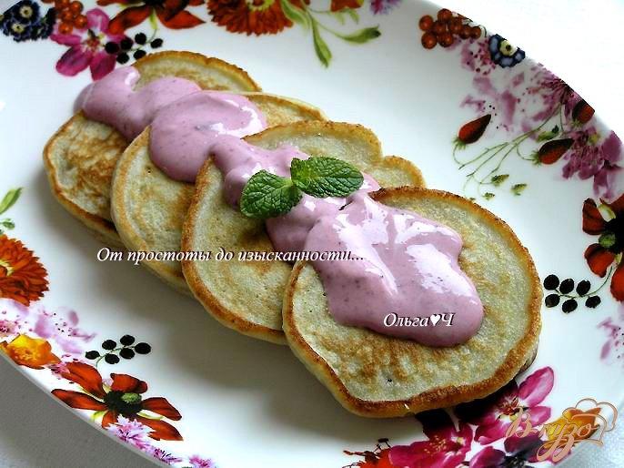 Фото приготовление рецепта: Чернично-фасолевые оладьи шаг №5