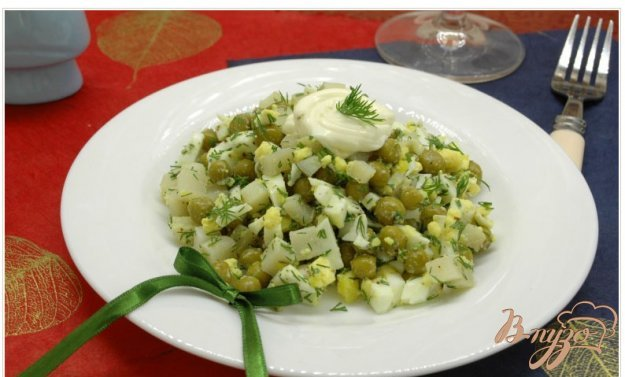 фото рецепта: Салат с отварным кальмаром
