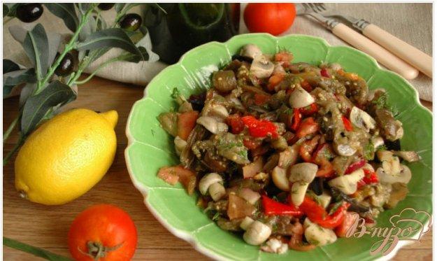 Рецепт Салат из печеных овощей с маслинами и шампиньонами