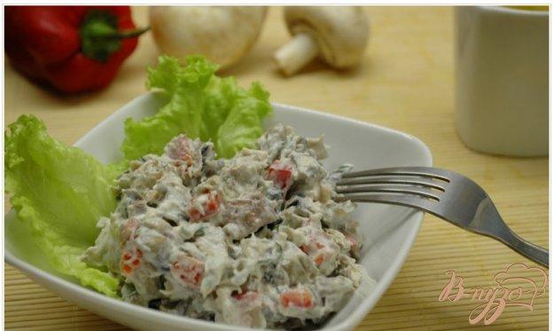 Рецепт Салат с шампиньонами и птицей