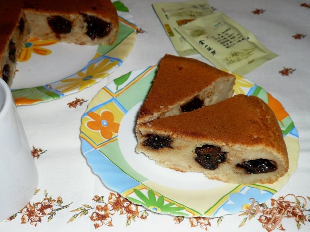 Рецепт Пирог с черносливом в мультиварке