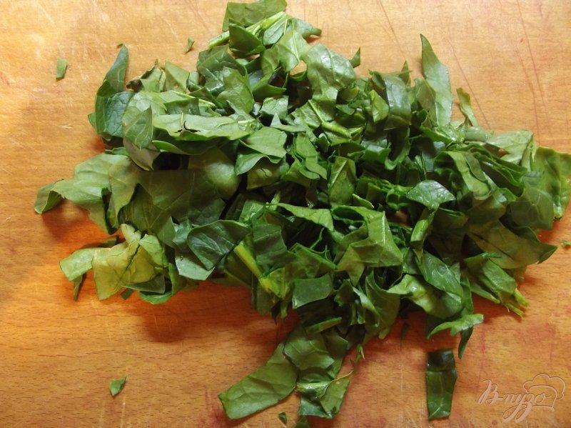 Фото приготовление рецепта: Куриный суп со шпинатом шаг №6