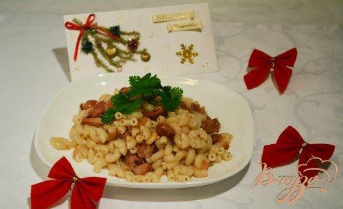 фото рецепта: Паста с колбасой с горчичной заправкой