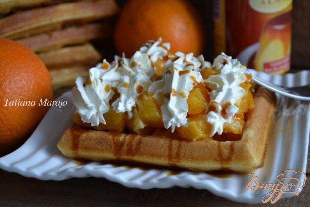 Рецепт Творожные вафли с апельсинами и взбитыми сливками