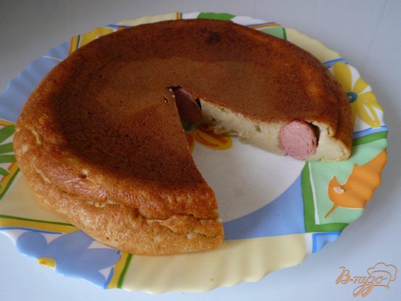 Фото приготовление рецепта: Пирог с сосисками шаг №6