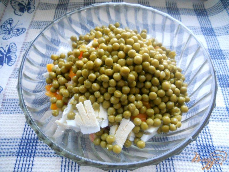 Фото приготовление рецепта: Салат колбасный шаг №5