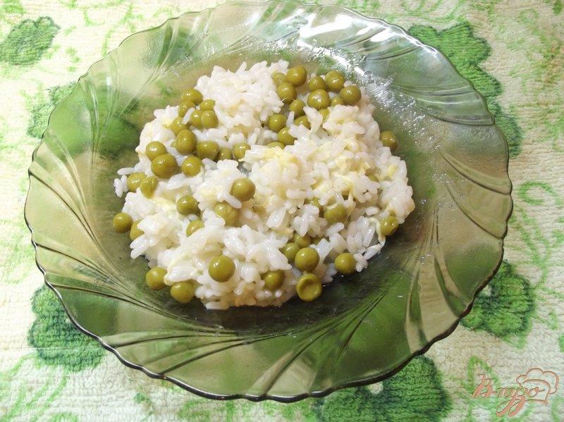 Фото приготовление рецепта: Рис с зеленым горошком шаг №5