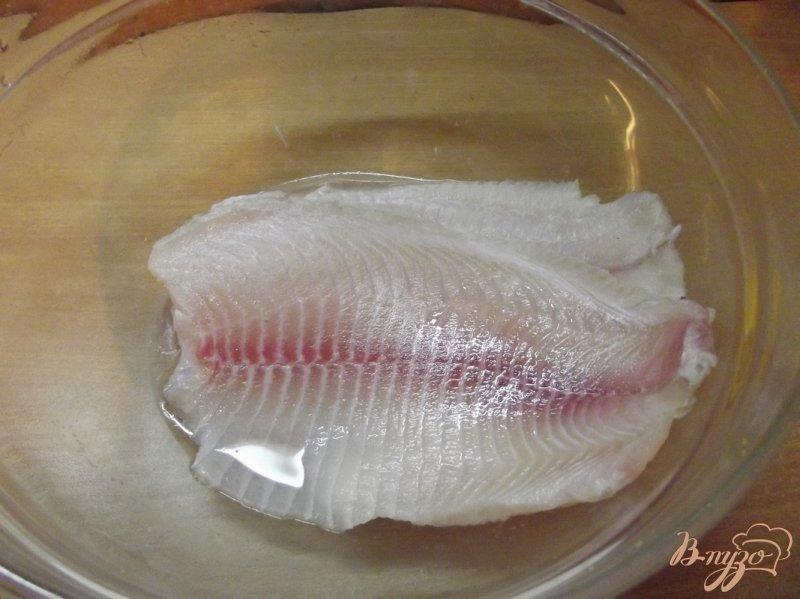 Фото приготовление рецепта: Филе пангасиуса в духовке под сыром шаг №1