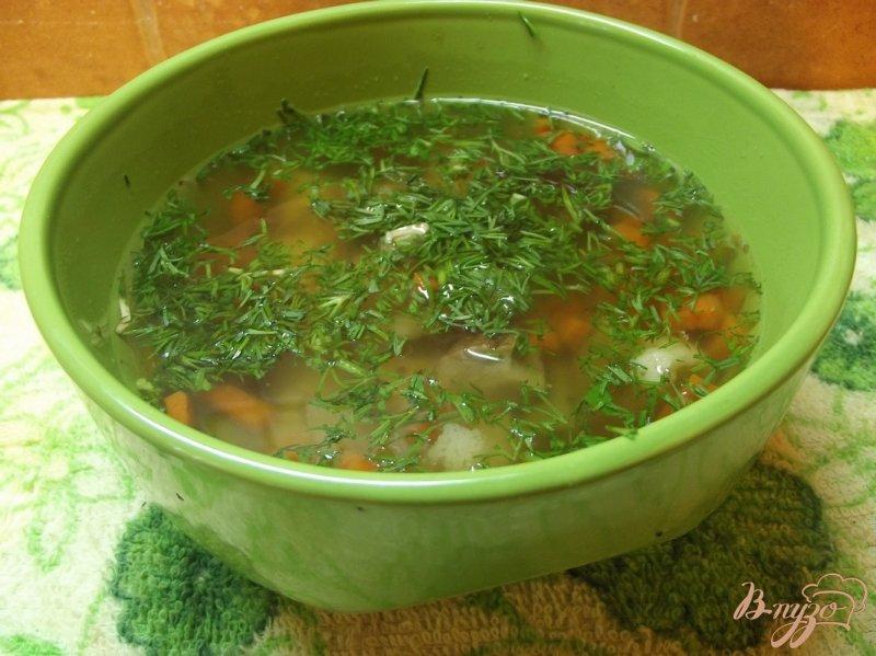 Фото приготовление рецепта: Суп с белыми грибами и овощами шаг №6