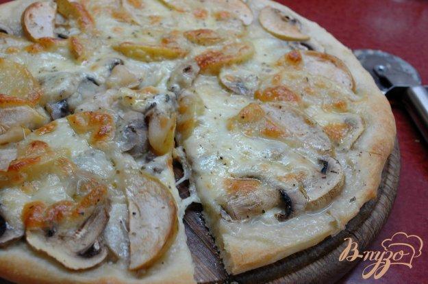 Рецепт Пицца с шампиньонами и яблоками
