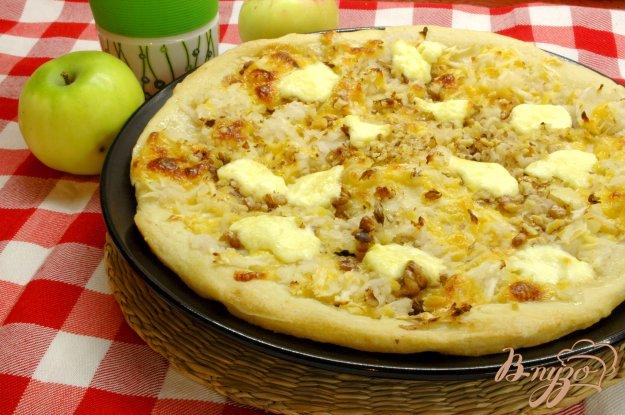 Рецепт Пицца с яблоками и грецкими орехами