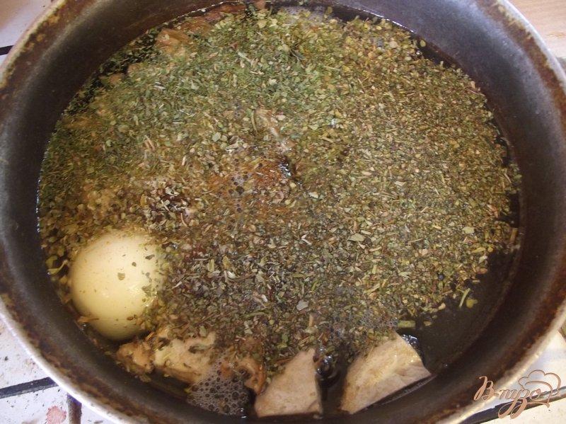 Фото приготовление рецепта: Суп с двумя видами грибов шаг №6