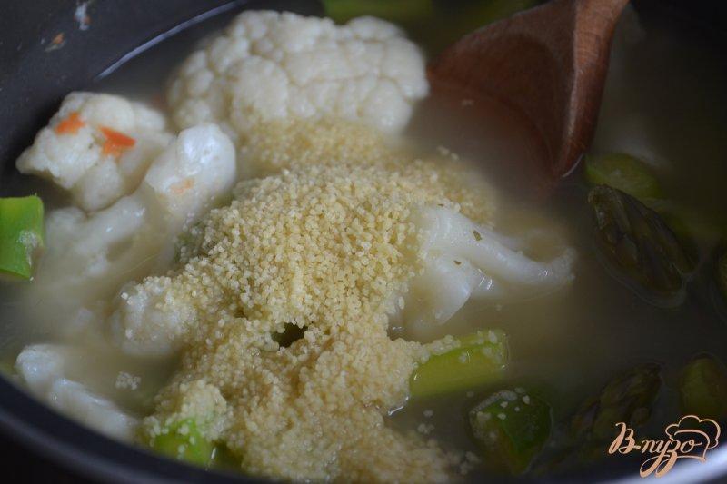 Фото приготовление рецепта: Крем-суп с зеленой спаржей шаг №2