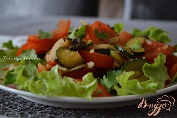 Рецепт Помидорный салат с обжаренными цукини