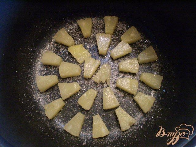 Фото приготовление рецепта: Ананасовый пирог шаг №8
