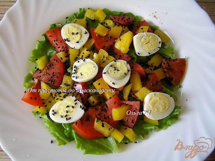 Фото приготовление рецепта: Овощной салат с перепелиными яйцами шаг №3