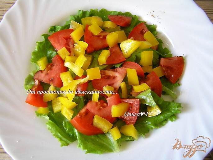 Фото приготовление рецепта: Овощной салат с перепелиными яйцами шаг №2