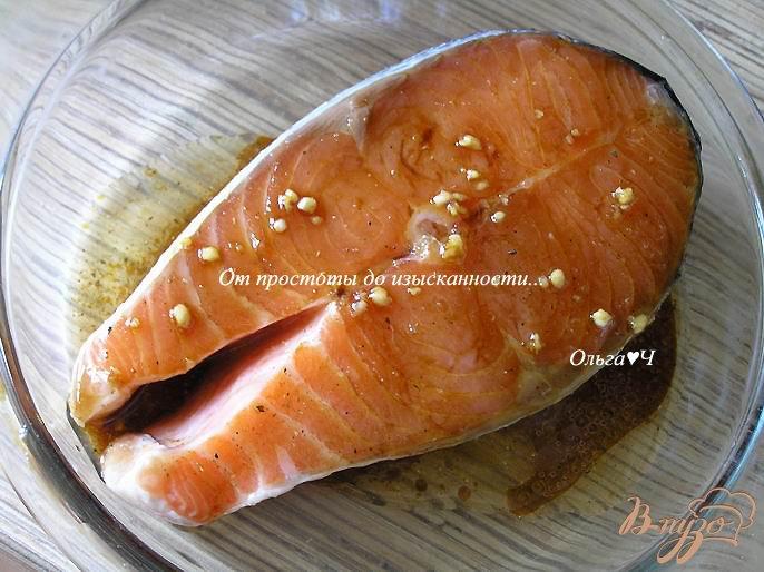 Фото приготовление рецепта: Салат с лососем-гриль, морковью и авокадо шаг №1