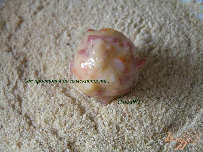 Фото приготовление рецепта: Шарики из креветок в кокосовом соусе с карри шаг №7