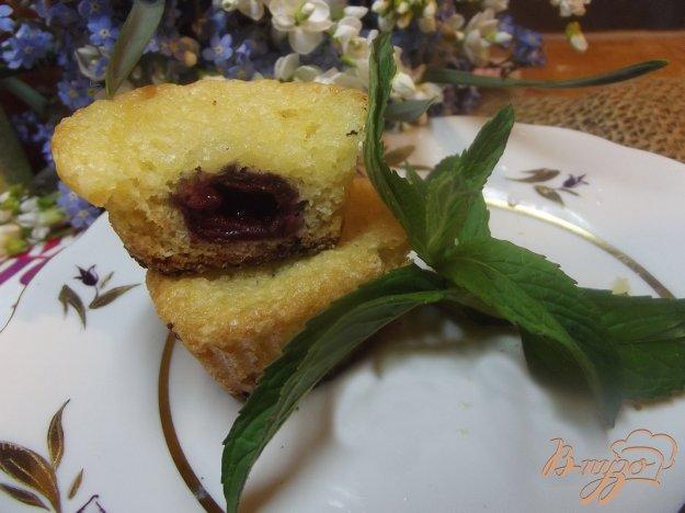 фото рецепта: Вишневые мини кексы