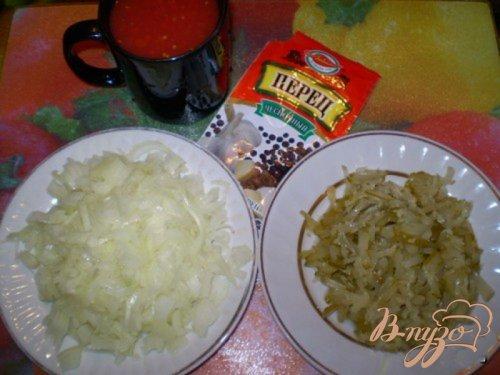 Макароны с кисло-сладким соусом из кислых огурцов и томатов