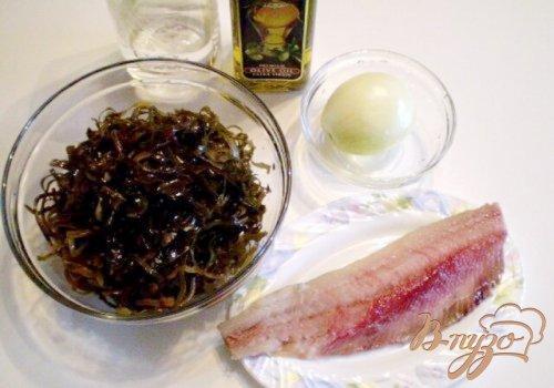 Салат из морской капусты с сельдью