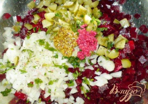 Салат свекольный с хреном, огурцом и горчицей