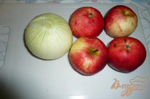 Свинина запеченная с яблоками и сыром