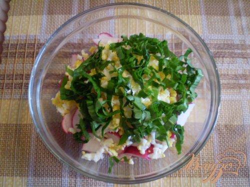 Салат весенний с черемшой