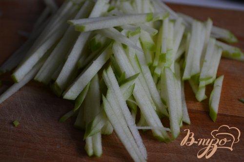 Морковно-яблочный салат с креветками