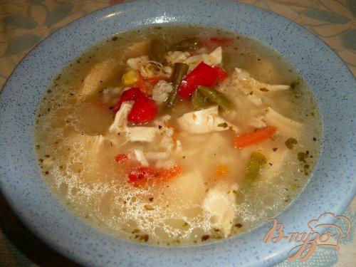 Рисовый суп с куриной грудкой и овощами
