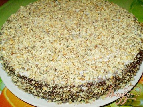 Шоколадный пирог со сметанно-ореховым кремом
