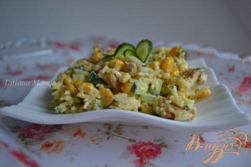 Рисовый салат с тунцом