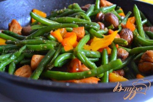 Смесь из овощей с куриным мясом