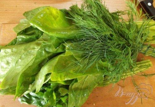 Оладьи из зелени с чесночным соусом